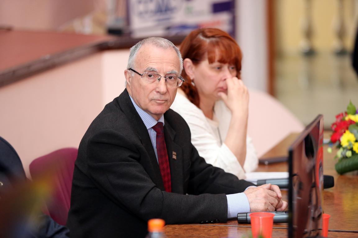 Краевая клиническая больница красноярск телефон регистратуры